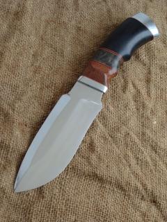 Нож Клык-сталь 95Х18, дюраль, фибра, лайсвуд, стабилизированная карелка, граб.